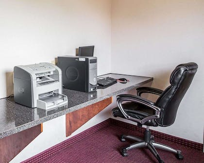 Business center with high-speed Internet access | Econo Lodge Inn & Suites Beaumont