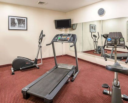 Fitness center with television | Econo Lodge Inn & Suites Beaumont