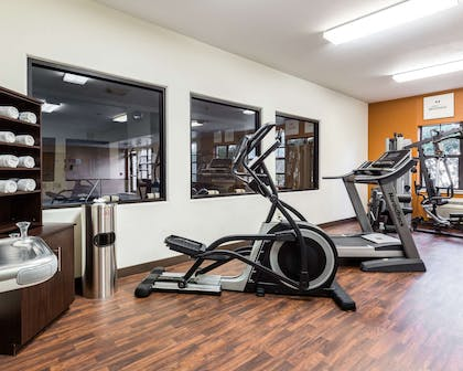 Exercise room with cardio equipment | Comfort Suites near NASA - Clear Lake
