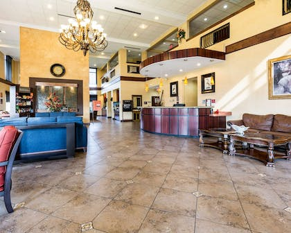 Spacious lobby with sitting area | Comfort Suites near NASA - Clear Lake