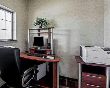 Business center | Sleep Inn And Suites Shamrock