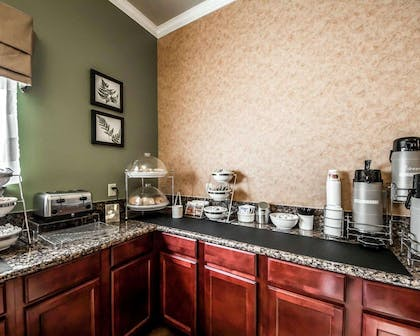Breakfast counter | Sleep Inn And Suites Shamrock