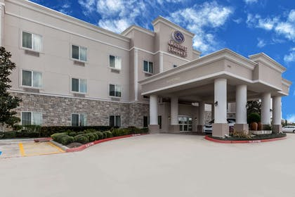 Hotel exterior | Comfort Suites Houston IAH Airport - Beltway 8