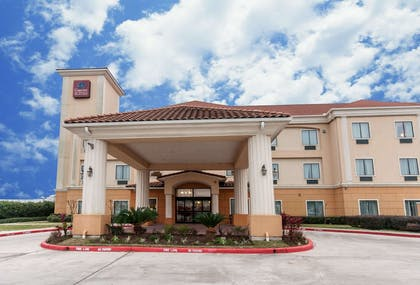 Hotel near popular attractions   Comfort Suites Hobby Airport