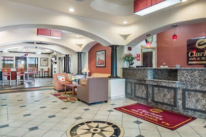 Lobby | Clarion Inn & Suites Weatherford South