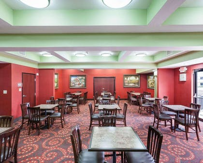 Breakfast area | Comfort Inn and Suites Near Medical Center