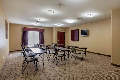 Meeting room | Comfort Suites Ennis