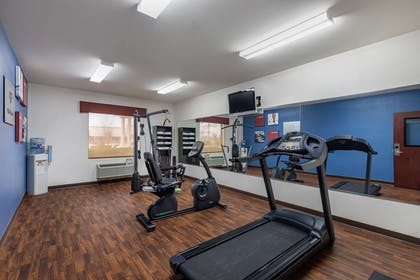 Fitness center | Comfort Suites Ennis