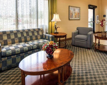 Spacious lobby with sitting area   Comfort Suites Nacogdoches