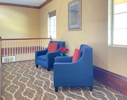 Lobby with sitting area   Comfort Inn & Suites Texas City