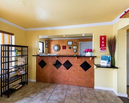 Front desk with friendly staff | Econo Lodge Inn & Suites Downtown Northeast