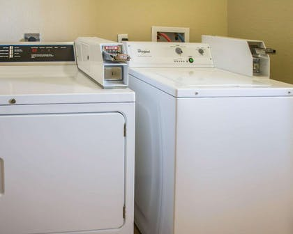 Guest laundry facilities | Sleep Inn & Suites at Six Flags