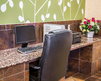 Business center with high-speed Internet access | Sleep Inn & Suites at Six Flags