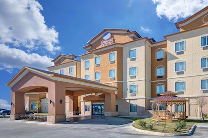 Hotel near popular attractions | Comfort Suites At Lake Worth