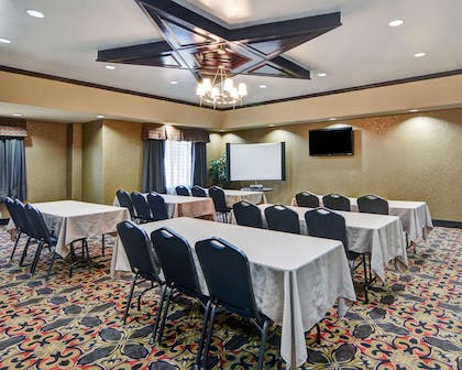 Meeting room with classroom-style setup | Comfort Suites At Lake Worth