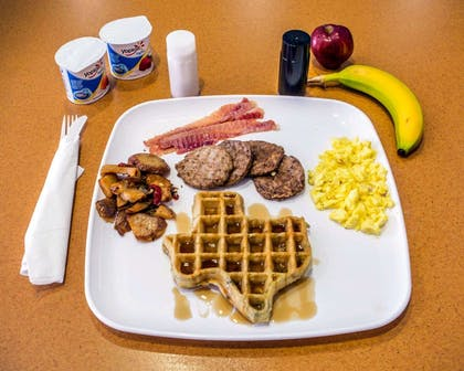 Enjoy breakfast in this spacious area | Sleep Inn And Suites Pearland - Houston South