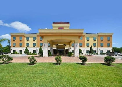 Hotel exterior | Comfort Suites Bay City