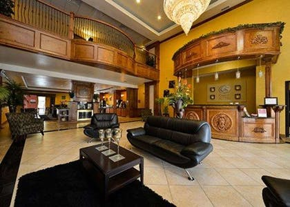 Beautifully decorated hotel | Comfort Suites Bay City