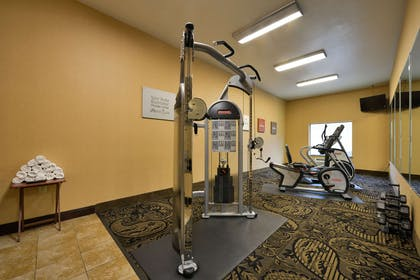 Fitness center | Comfort Suites Bay City