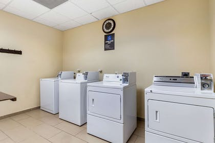 Guest laundry facilities | Comfort Inn & Suites Lakeside