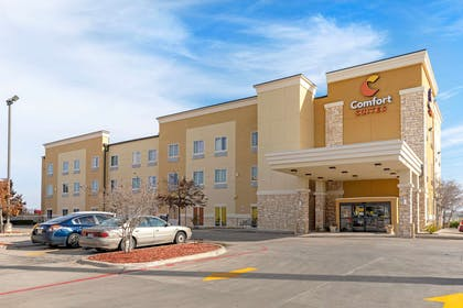 Hotel exterior | Comfort Suites West Dallas - Cockrell Hill