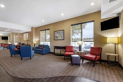 Hotel lobby | Comfort Suites West Dallas - Cockrell Hill