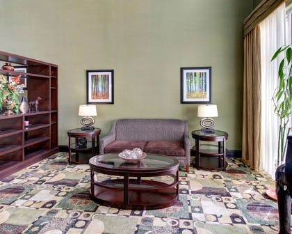 Lobby with sitting area | Comfort Suites Waxahachie - Dallas