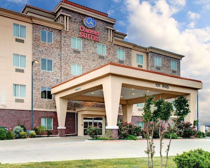 Hotel entrance | Comfort Suites Waxahachie - Dallas