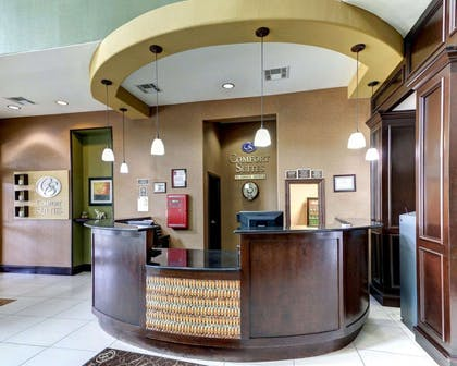 Front desk with friendly staff | Comfort Suites Waxahachie - Dallas