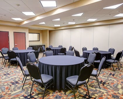 Large space for receptions, parties, anniversaries and business meetings | Comfort Suites Buda - Austin South