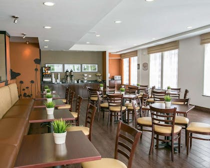 Breakfast room | Sleep Inn & Suites Austin Northeast
