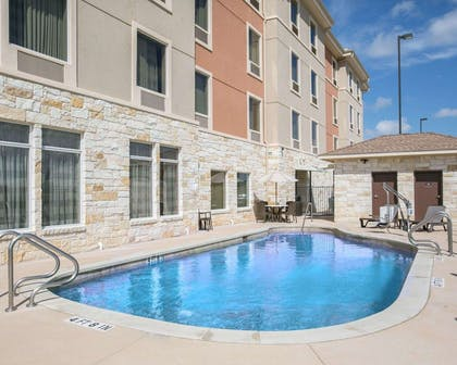 Outdoor pool | Sleep Inn & Suites Austin Northeast