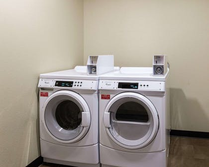 Guest laundry facilities | Comfort Suites near Westchase on Beltway 8