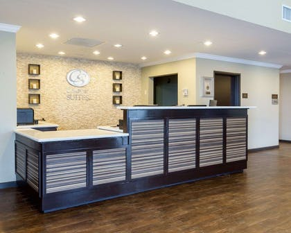 Front desk with friendly staff | Comfort Suites near Westchase on Beltway 8