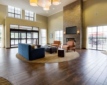 Lobby with sitting area | Comfort Suites near Westchase on Beltway 8