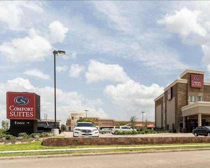 Hotel near popular attractions | Comfort Suites near Westchase on Beltway 8