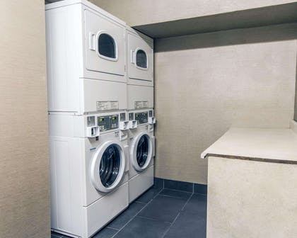 Guest laundry facilities | Comfort Inn & Suites I-10 Airport