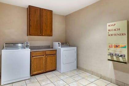 Guest laundry facilities | Comfort Inn & Suites Texas Hill Country