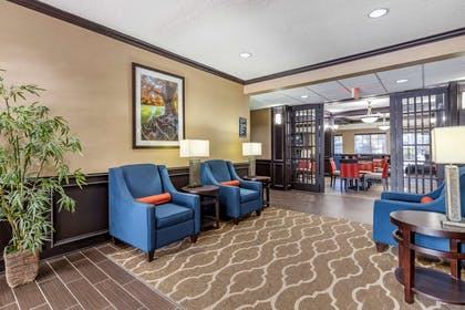 Lobby with sitting area | Comfort Inn & Suites Texas Hill Country