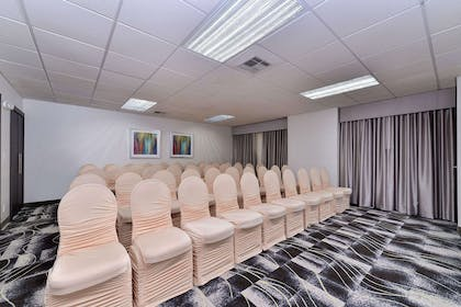 Conference facilities   Comfort Inn & Suites Frisco - Plano
