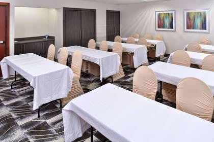 Meeting room with classroom-style setup   Comfort Inn & Suites Frisco - Plano
