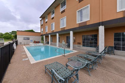 Relax on the sundeck   Comfort Inn & Suites Frisco - Plano