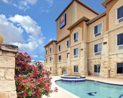 Relax in the hot tub | Comfort Inn And Suites Alvarado