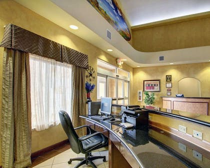Business center with free wireless Internet access | Comfort Inn And Suites Alvarado