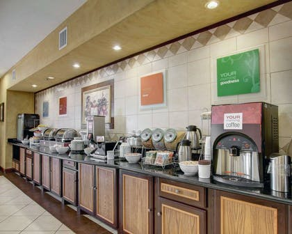 Breakfast counter | Comfort Inn And Suites Alvarado