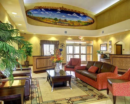 Spacious lobby with sitting area | Comfort Inn And Suites Alvarado