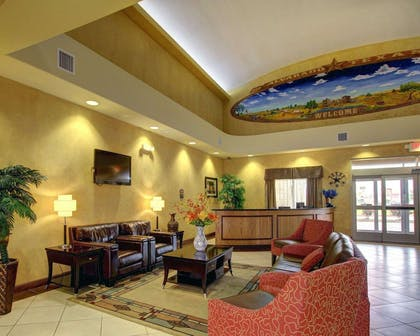 Spacious lobby | Comfort Inn And Suites Alvarado