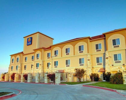 Hotel exterior | Comfort Inn And Suites Alvarado