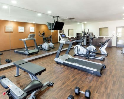 Exercise room with cardio equipment | Comfort Suites Cotulla near I-35