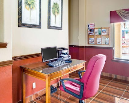Business center | Econo Lodge Inn & Suites Eagle Pass